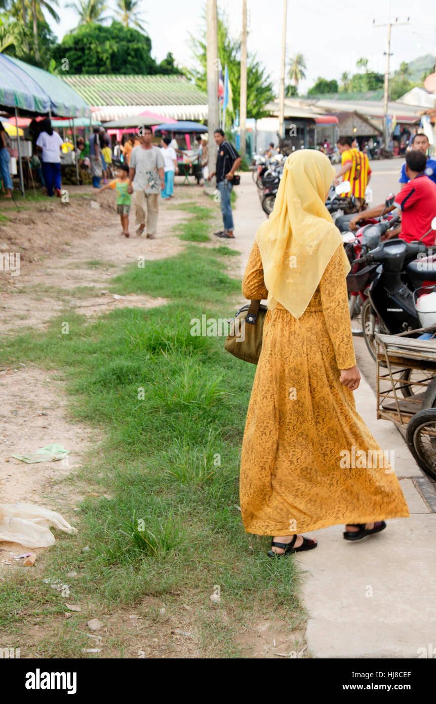street muslim single women Singlemuslimcom official youtube channel  single muslim desktop website singlemuslimcom subscribe subscribed unsubscribe 10,283 loading.