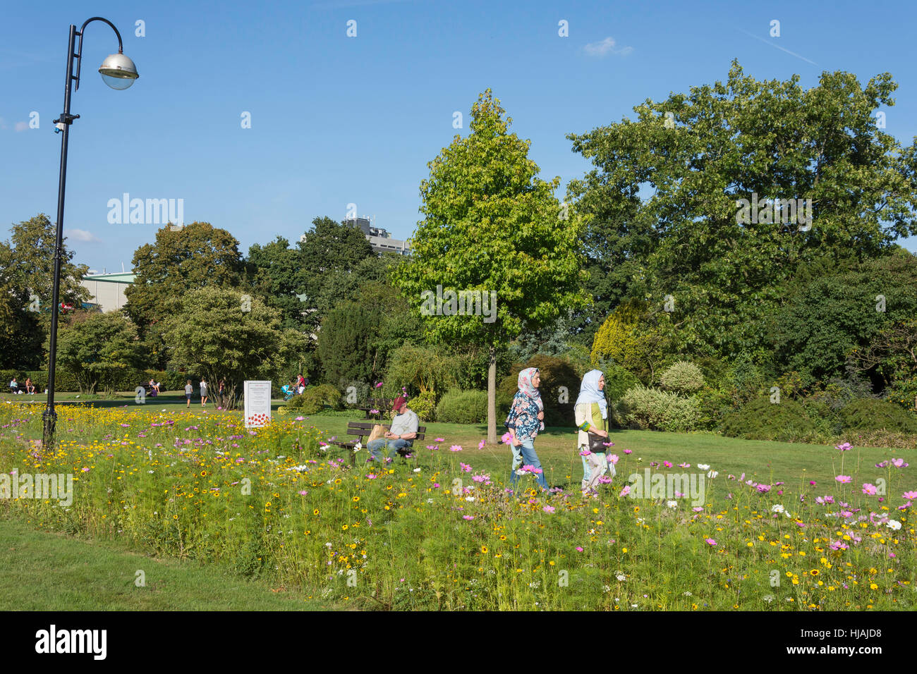 Memorial Gardens, Crawley, West Sussex, England, United Kingdom - Stock Image