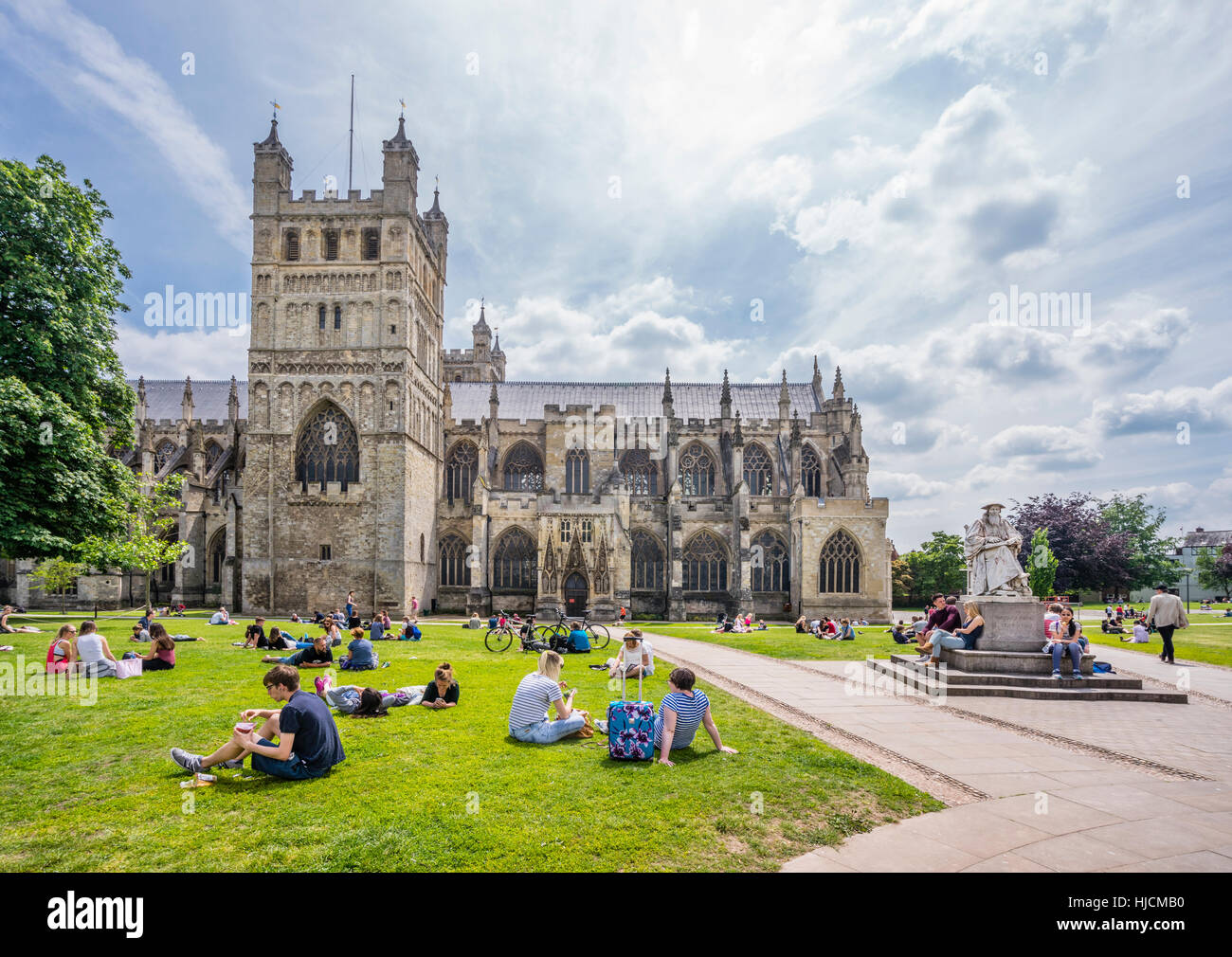 Great Britain, South West England, Devon, Exeter, Exeter Cathedral and the Richard Hooker statue - Stock Image