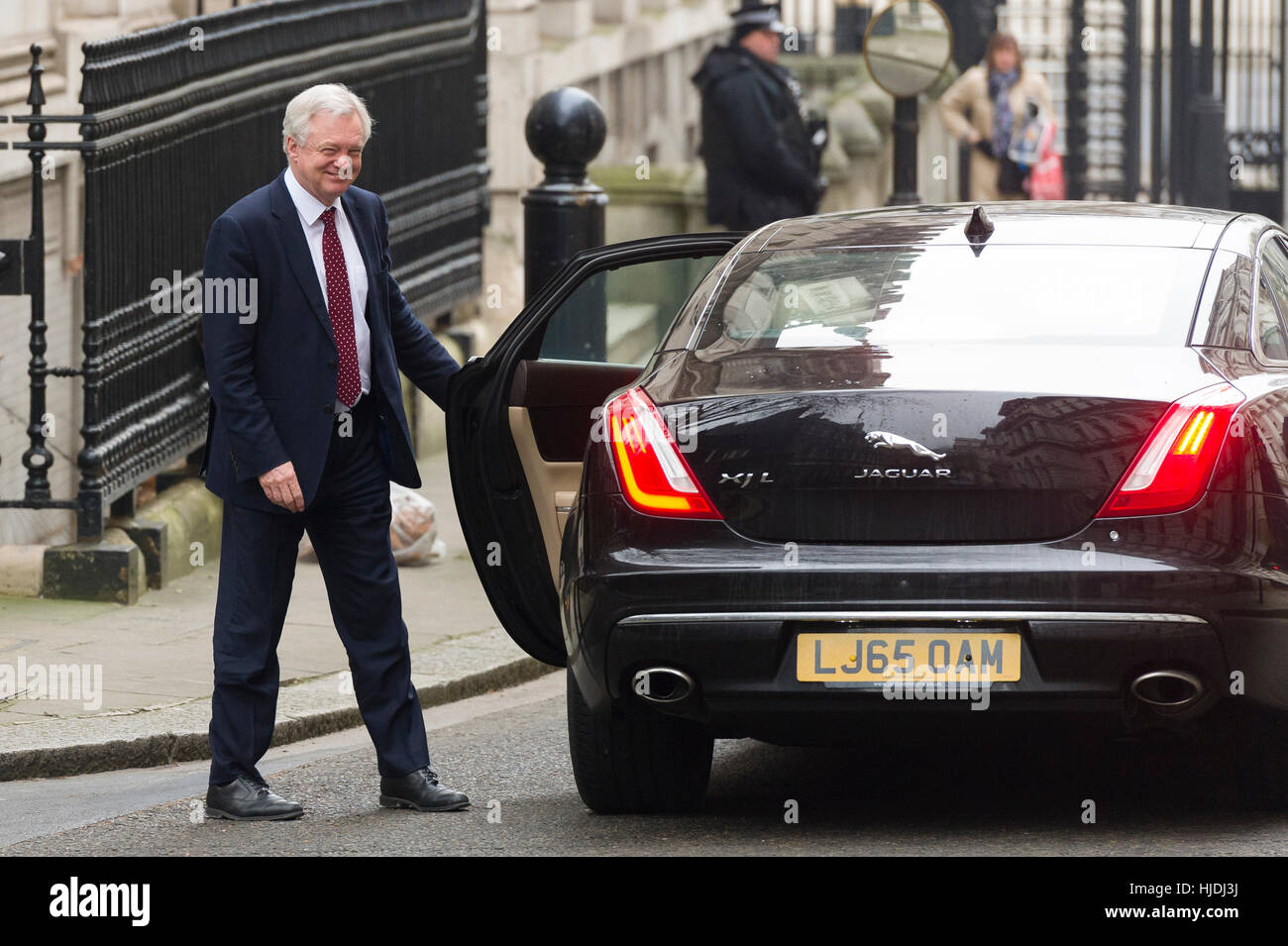 London, UK. 25th January, 2017. David Davis MP, Secretary of State for Exiting the European Union, leaving Downing - Stock Image