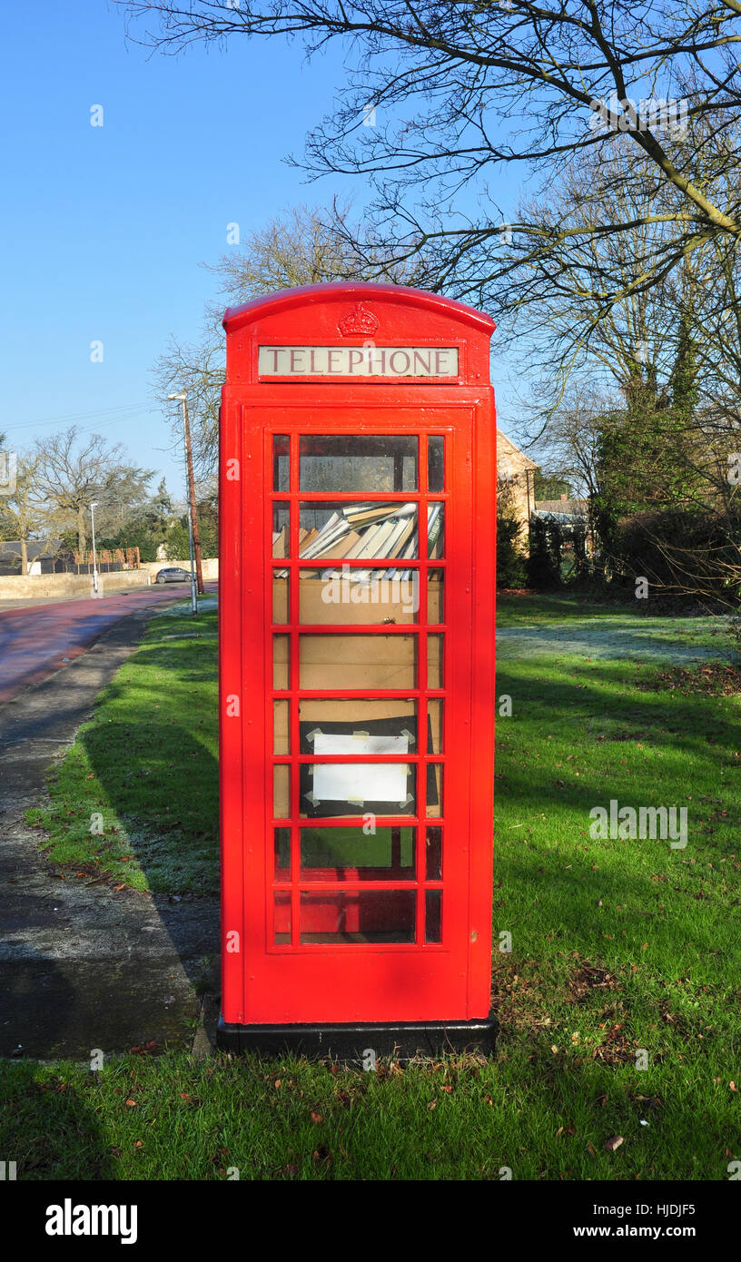 Book library telephone kiosk, Horningsea, Cambridgeshire, England, UK - Stock Image