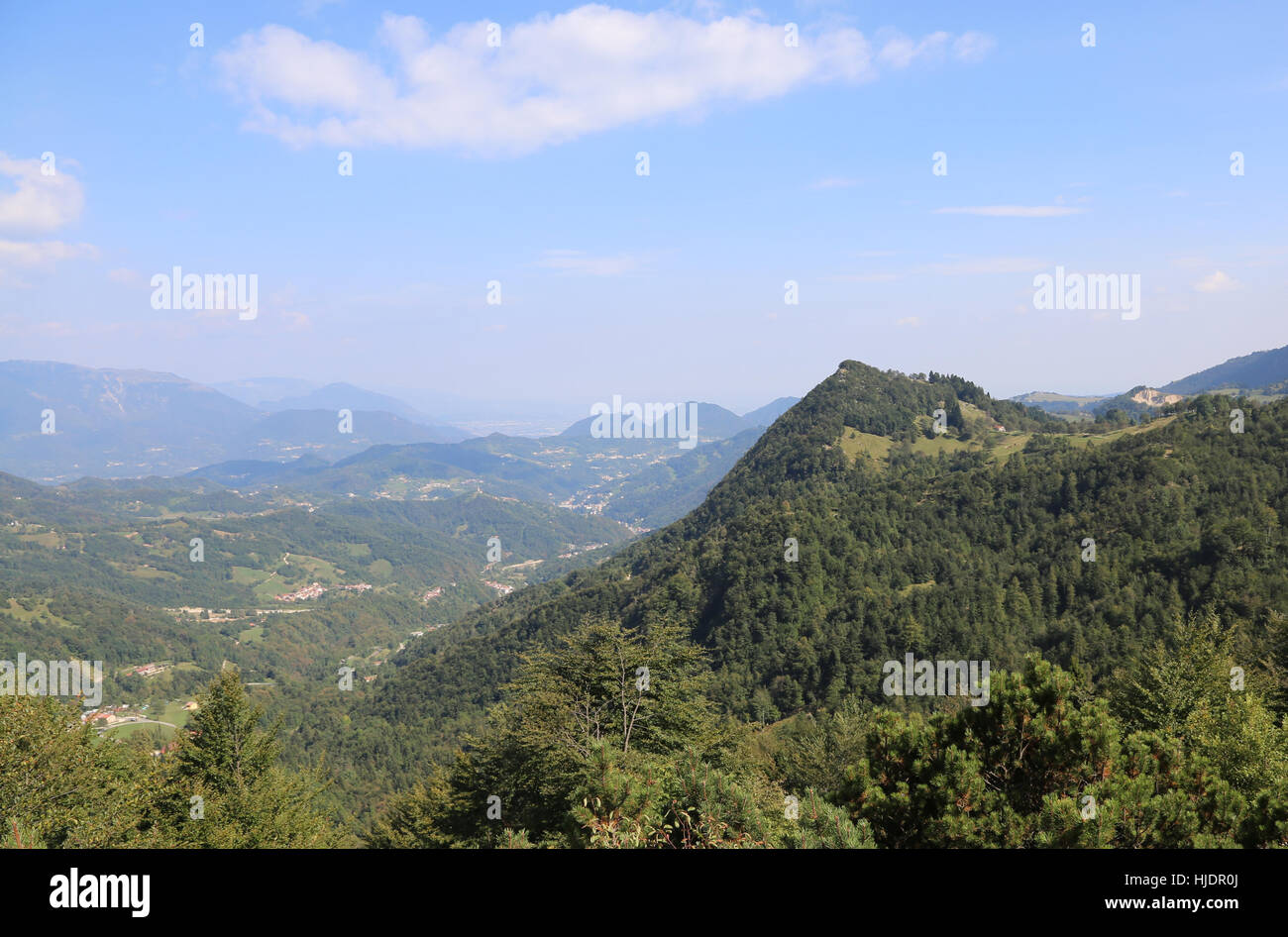 wonderful panorama of the valley and the mountains to the city of Vicenza in northern Italy - Stock Image