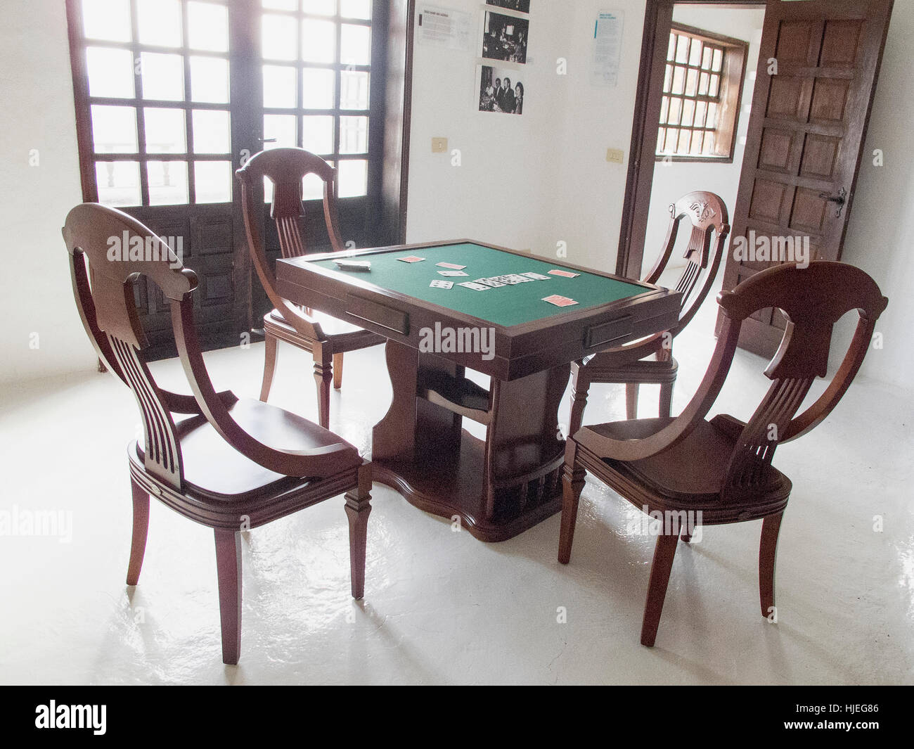 Card table and chairs once used by actor Omar Sharif in his home on Lanzarote. - Stock Image