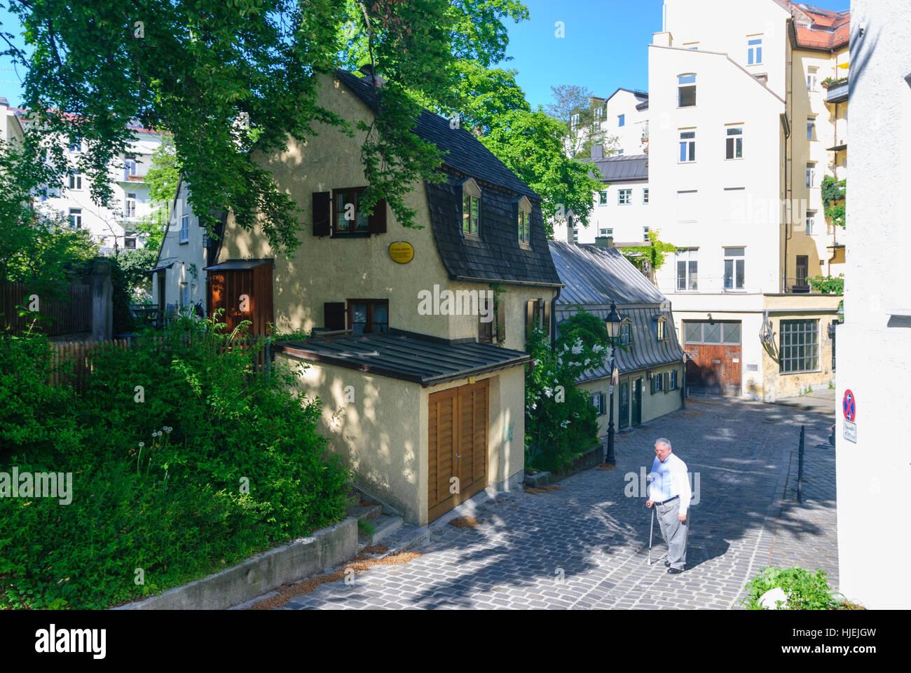 München, Munich: Historic inns in the alley An der Kreppe in Haidhausen, Oberbayern, Upper Bavaria, Bayern, - Stock Image