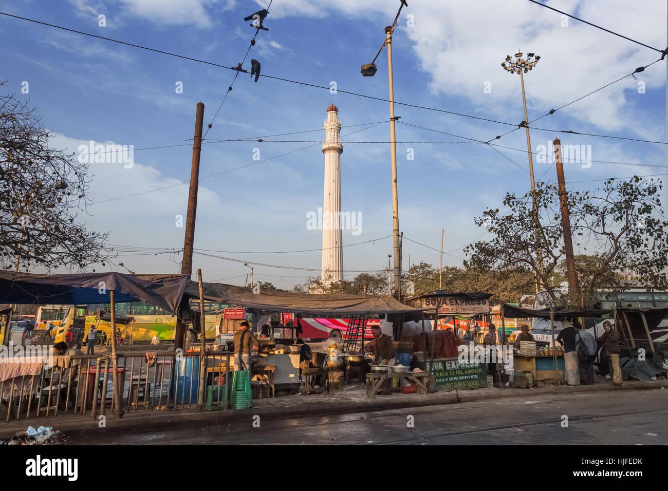 Ochterlony Monument or Shaheed Minar a famous landmark in the city of Kolkata as seen from a street near Chowringhee, - Stock Image
