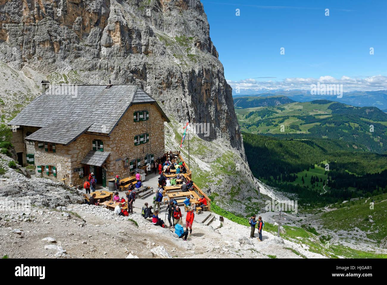 Rifugio Vicenza, Rifugio Vincenza al Sasso Lungo, Dolomites, Province of South Tyrol, Italy - Stock Image