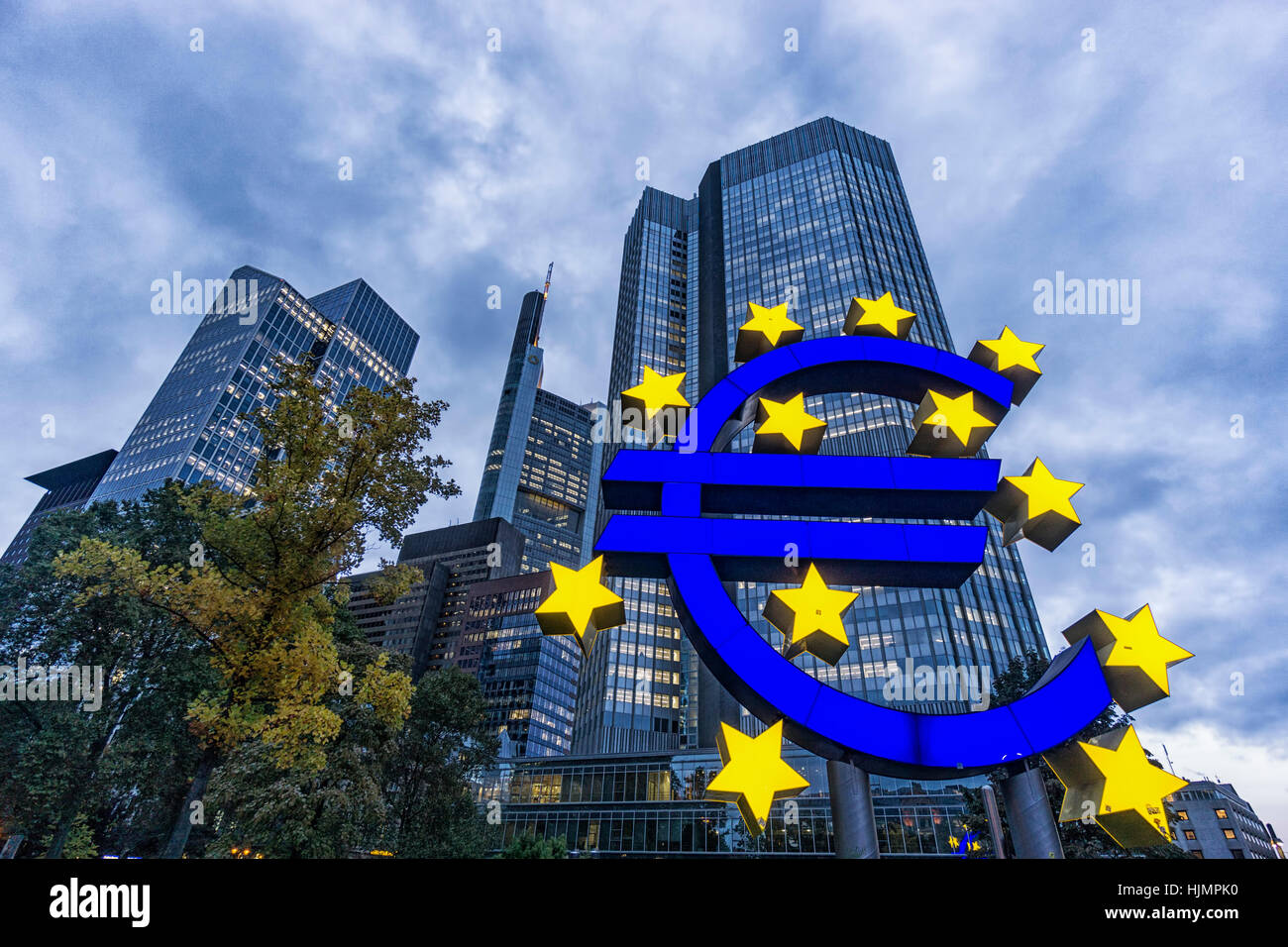Germany, Hessen, Frankfurt-am-Main, Euro Tower, Euro Symbol, Willy Brandt Platz, skyline, Commerzbank, Stock Photo