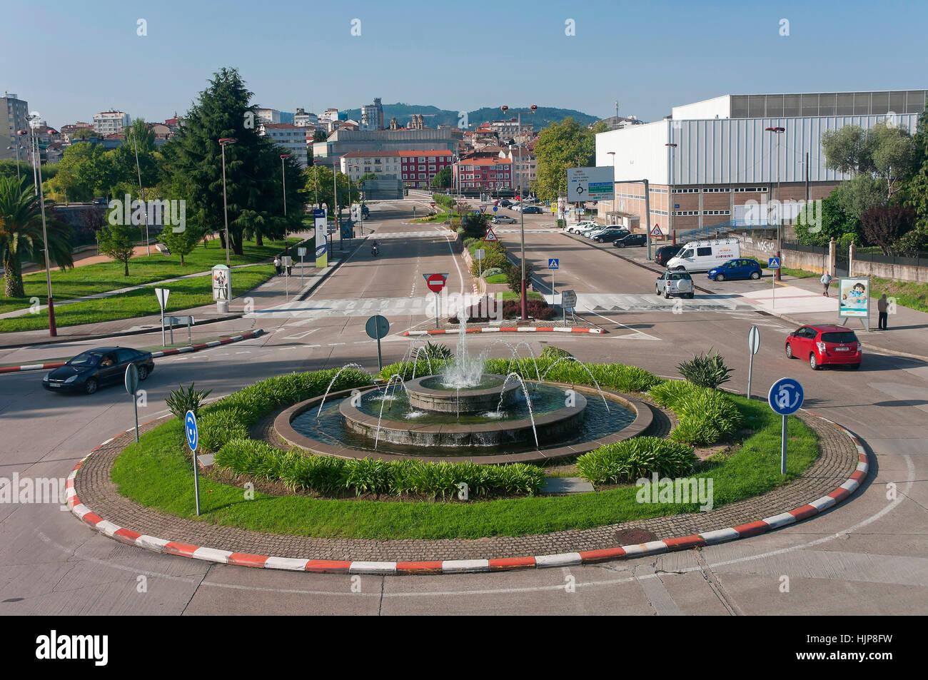 Compostela avenue - roundabout with fountain, Pontevedra, Region of Galicia, Spain, Europe - Stock Image