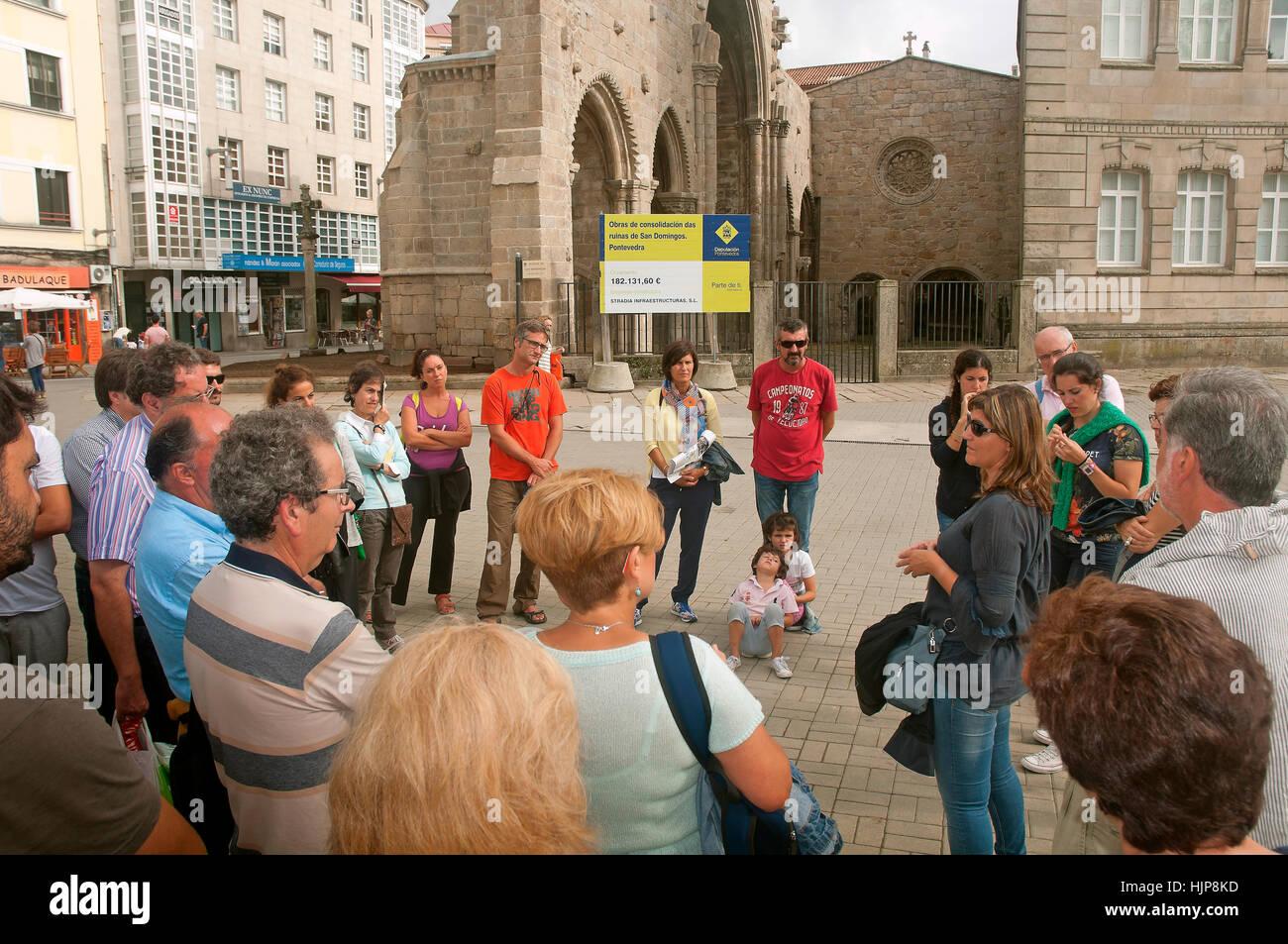 Guided tour in the Plaza de España, Ruins of the church of Santo Domingo - 14th century, Pontevedra, Region - Stock Image
