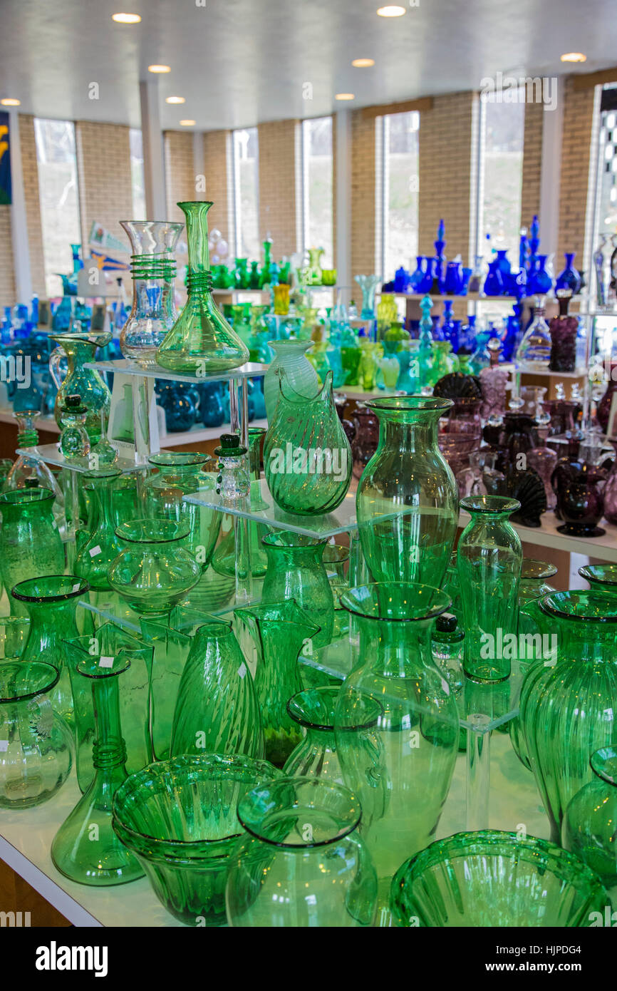 Milton, West Virginia - Hand-blown glassware on sale at the visitor center of the Blenko Glass Company. - Stock Image