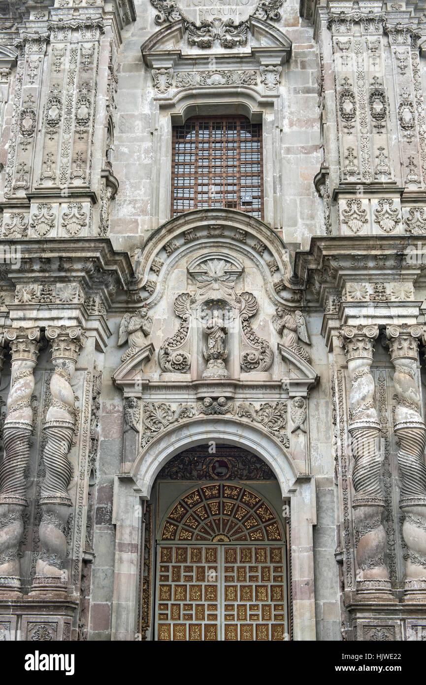 Facade of the Jesuit church La Compañia de Jesús, Quito, Ecuador - Stock Image