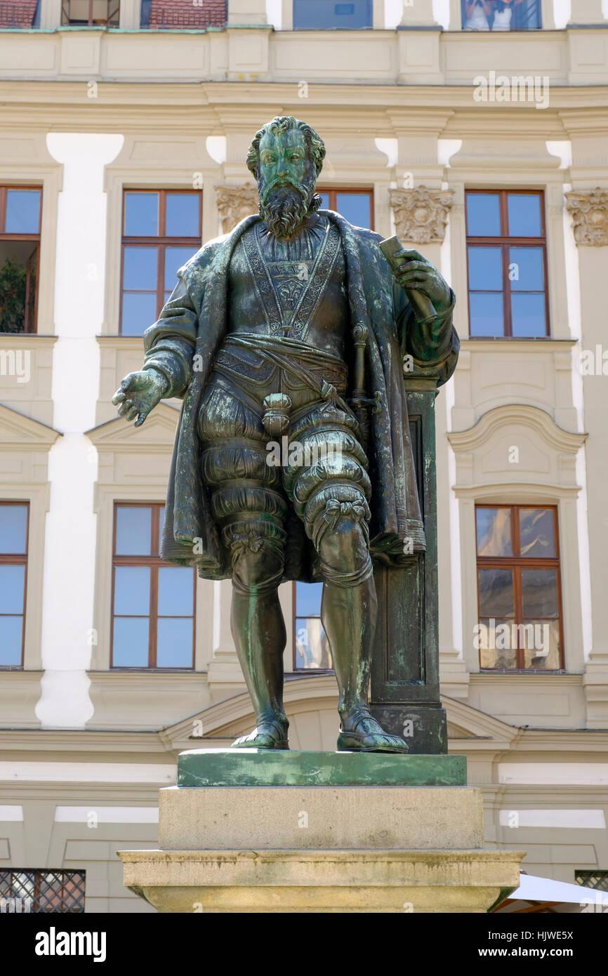 Statue Hans Jakob Fugger, Fugger memorial at Fuggerplatz, Augsburg, Swabia, Bavaria, Germany - Stock Image