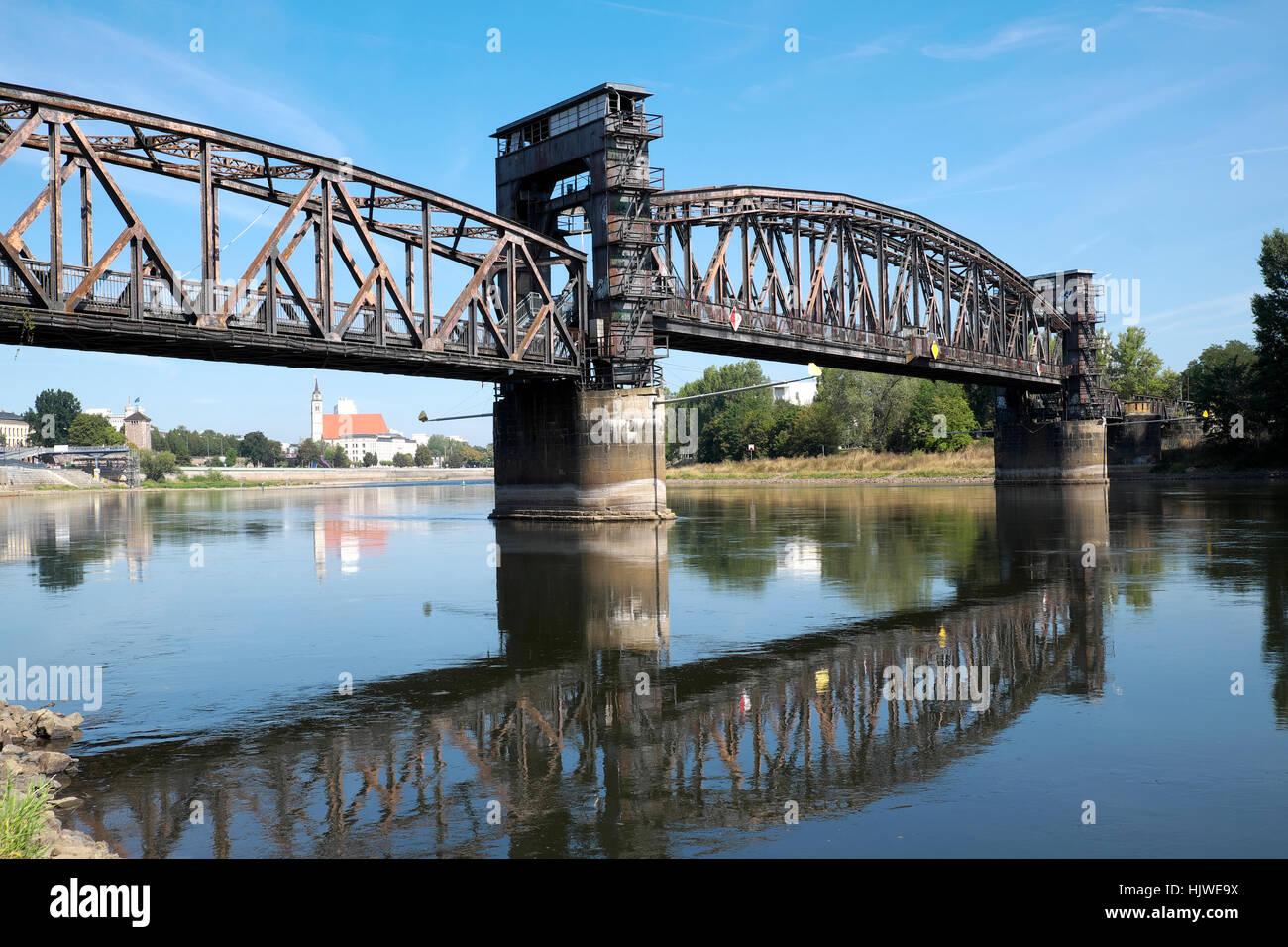 Lift bridge across the Elbe, Magdeburg, Saxony-Anhalt, Germany - Stock Image