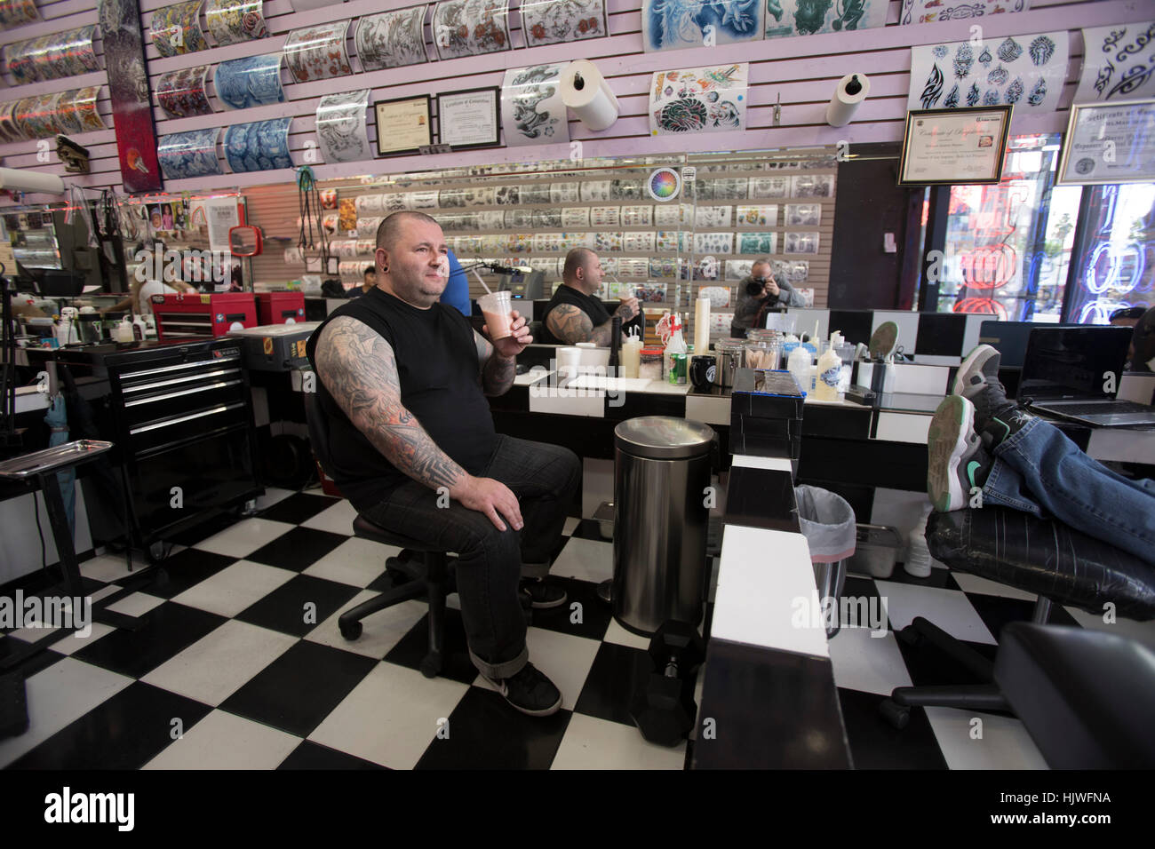 Tattoo Artist, Hollywood Boulevard, Hollywood, Los Angeles, California, USA - Stock Image