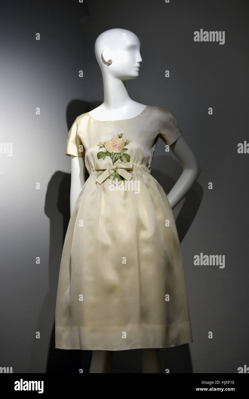 Hubert de Givenchy ( Couturier ) France Silk embodied dress 1960 Audrey Hepburn ( Movie Star ) United Kingdom - Stock Image
