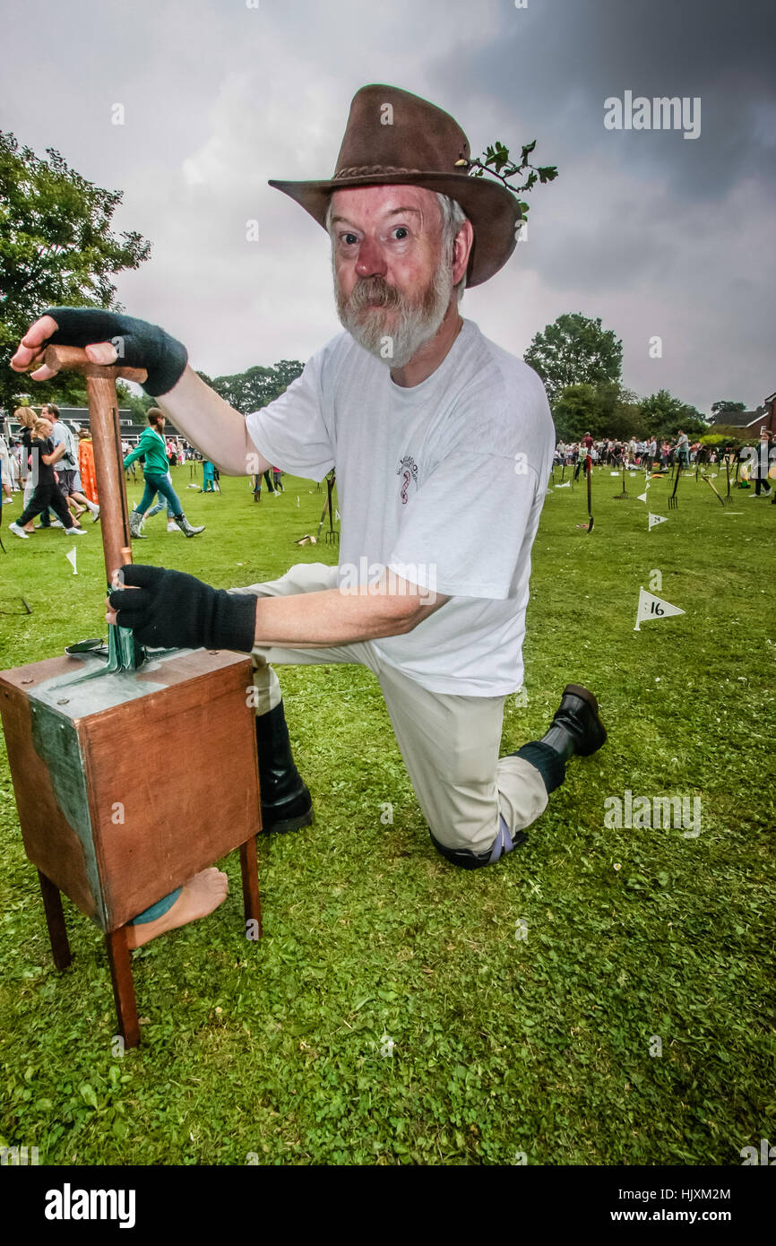 Mike Forster, head wormer, at the World Worm Charming Championships in Willaston, Cheshire - Stock Image