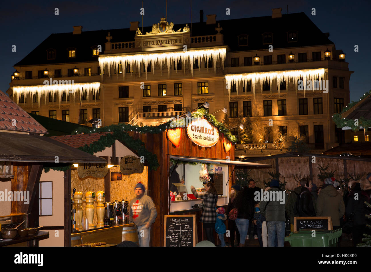 Denmark, Copenhagen, Kongens Nytorv, Xmas market and Hotel, d'Angleterre, Christmas decorations at night - Stock Image