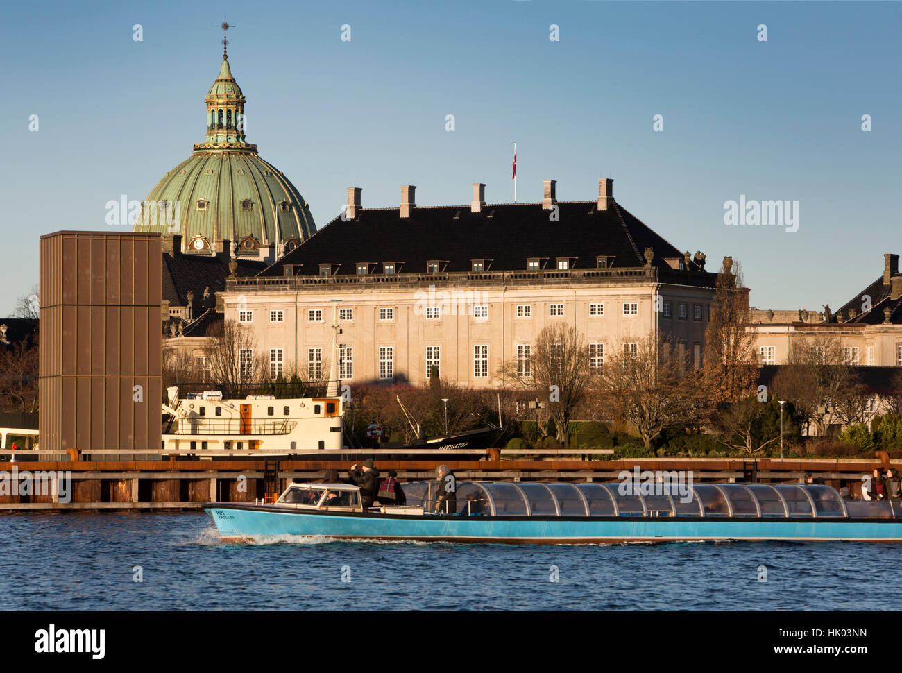 Denmark, Copenhagen, Frederiks Kirke, the Marble Church, through Amaliehaven, with harbour sightseeing boat - Stock Image