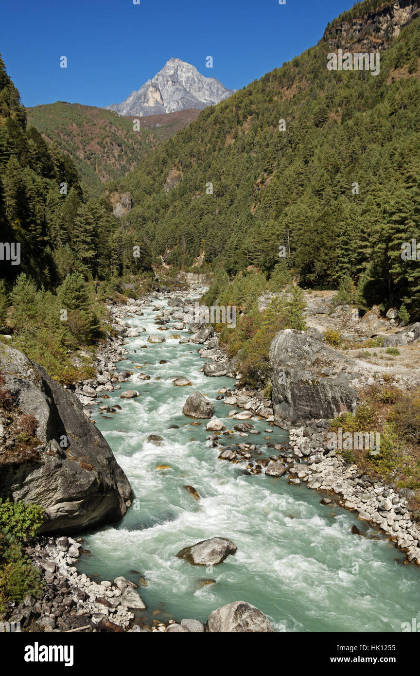 Dudh Kosi River between Jorsalle and Namche Bazar in Nepal - Stock Image