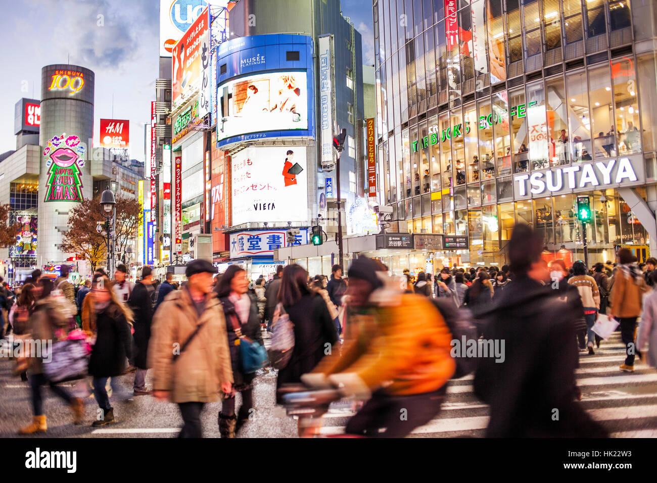 Rush hour, Shibuya Scramble Kousaten crossing, Hachiko square, Tokyo, Japan - Stock Image