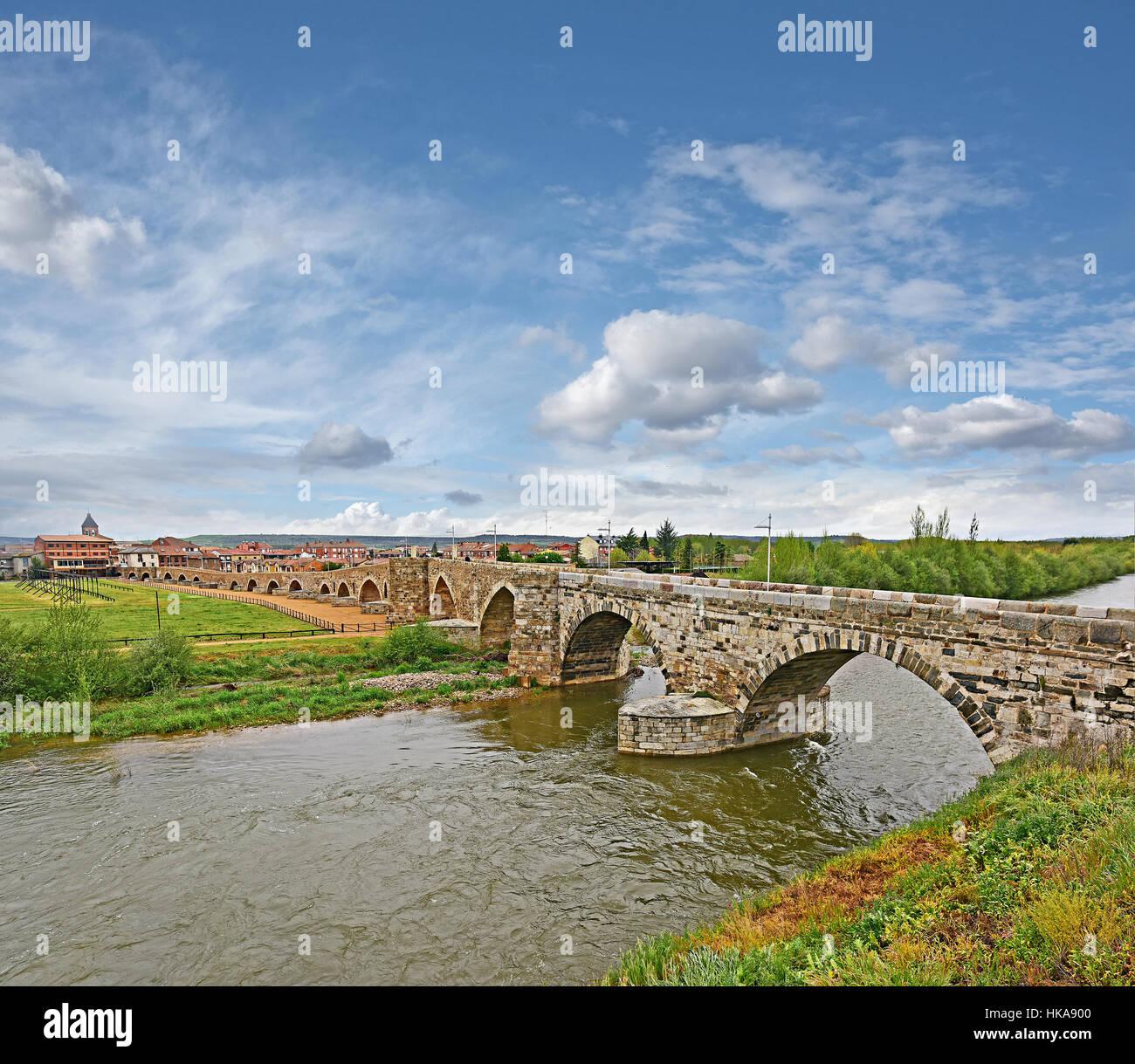 La Puente del Passo Honroso at Hospital de Órbigo - The Bridge of the Honorable Step on the Camino de Santiago - Stock Image
