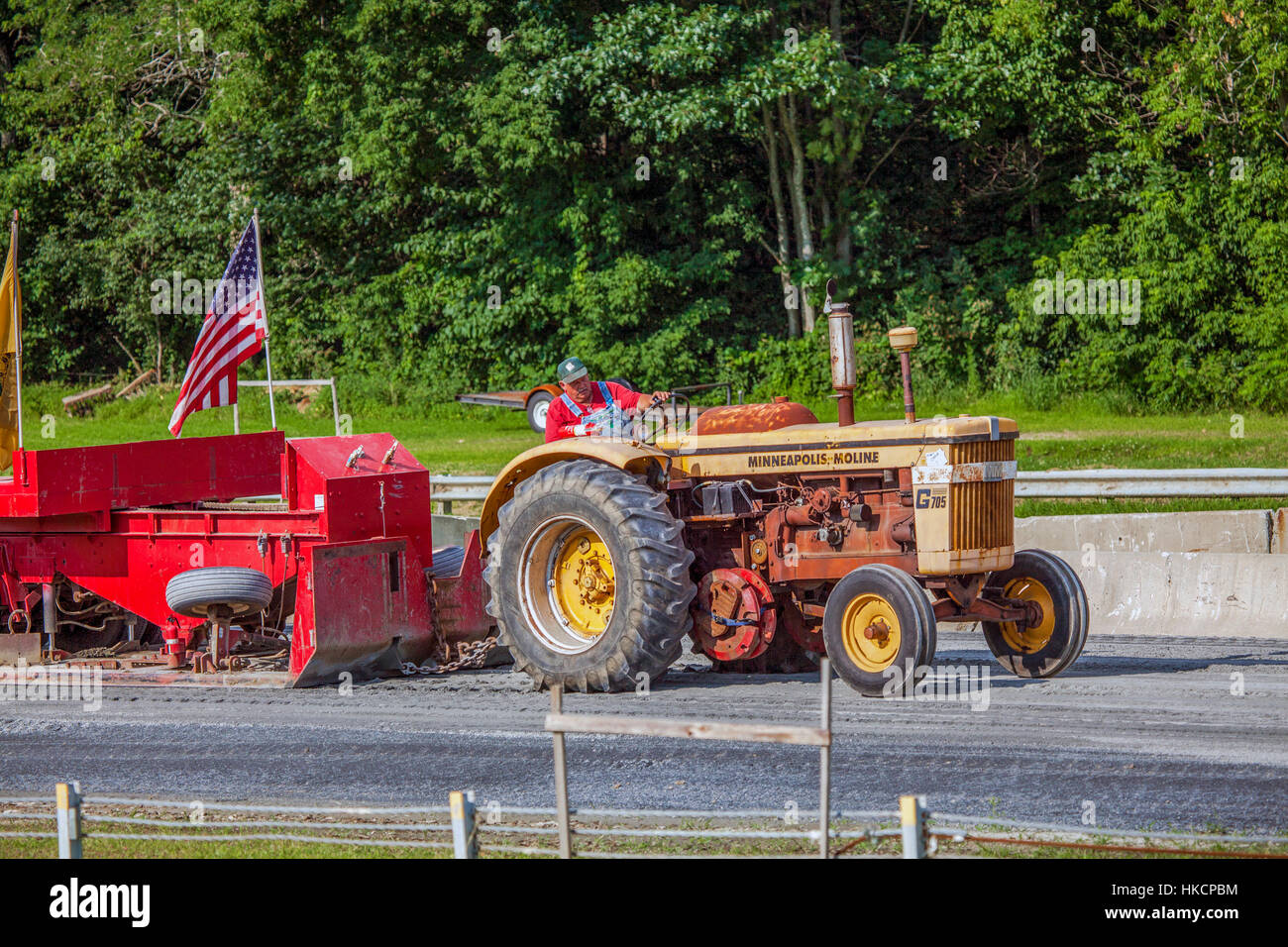 Tractor Pulls Stock Photos & Tractor Pulls Stock Images - Alamy