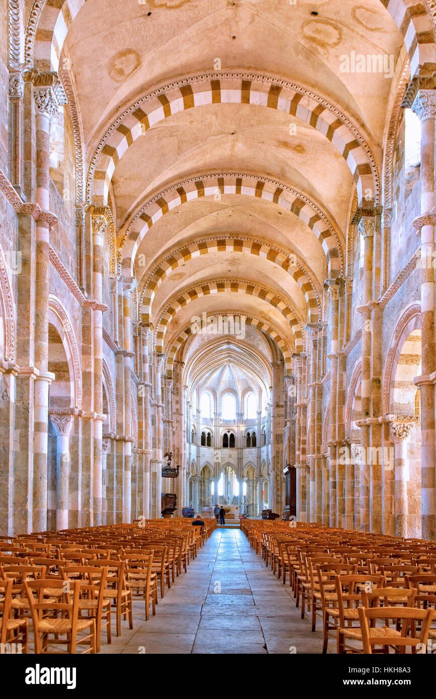 Interior of Sainte-Marie-Madeleine basilica in  Vezelay - Stock Image