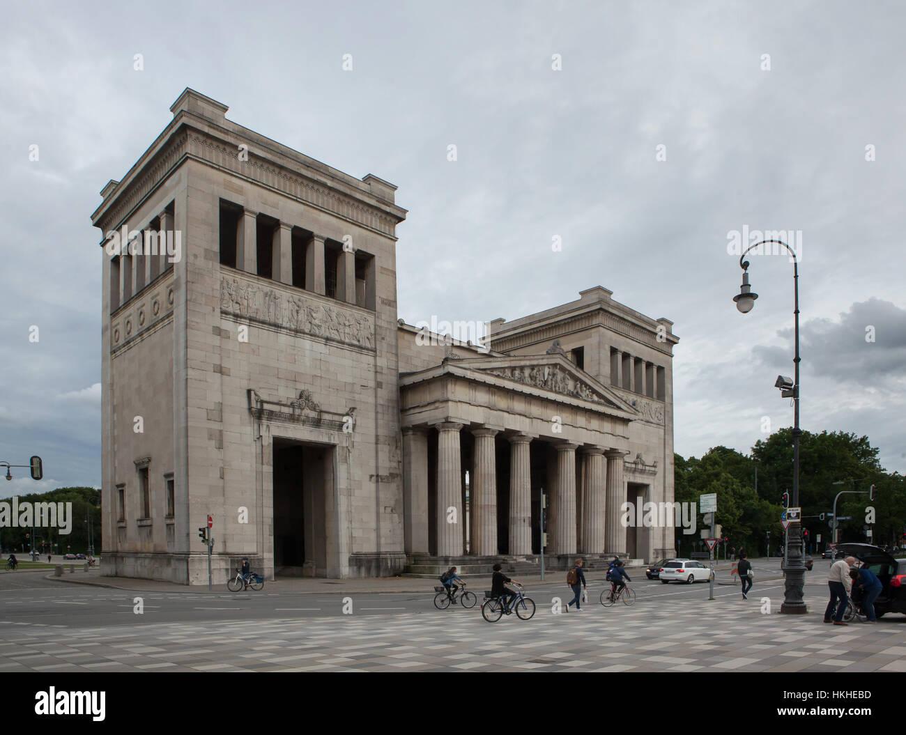 Propylaea designed by German architect Leo von Klenze (1862) in Konigsplatz in Munich, Bavaria, Germany. - Stock Image