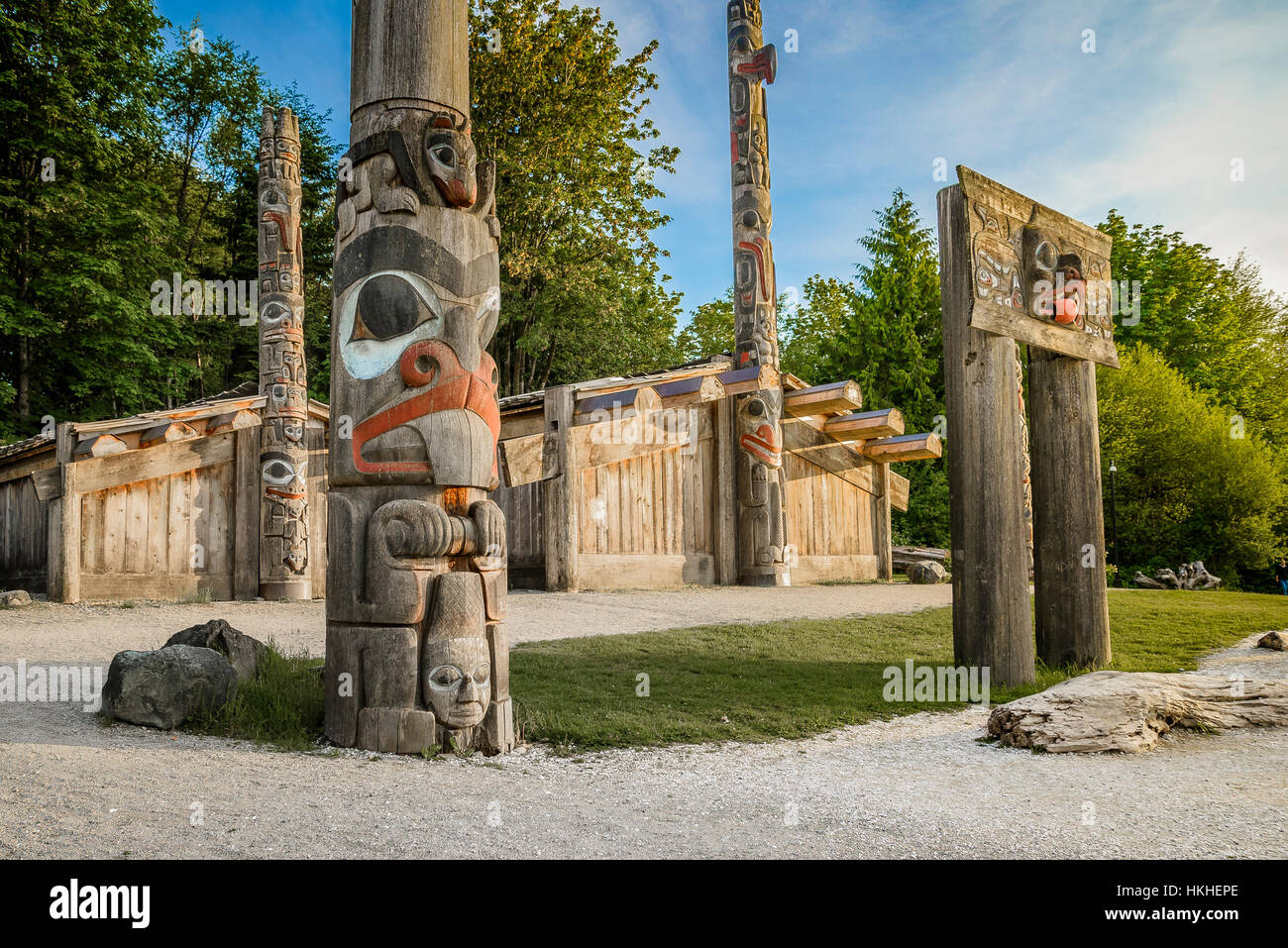 Haida longhouse and totem poles, Museum of Anthropology, Vancouver, British Columbia, Canada - Stock Image