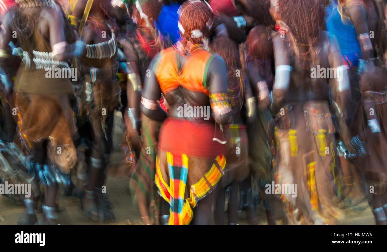 Evan Gadi (Hamer Dancing), Hamar tribe people dancing at Cattle Jumping, South Omo, Ethiopia - Stock Image