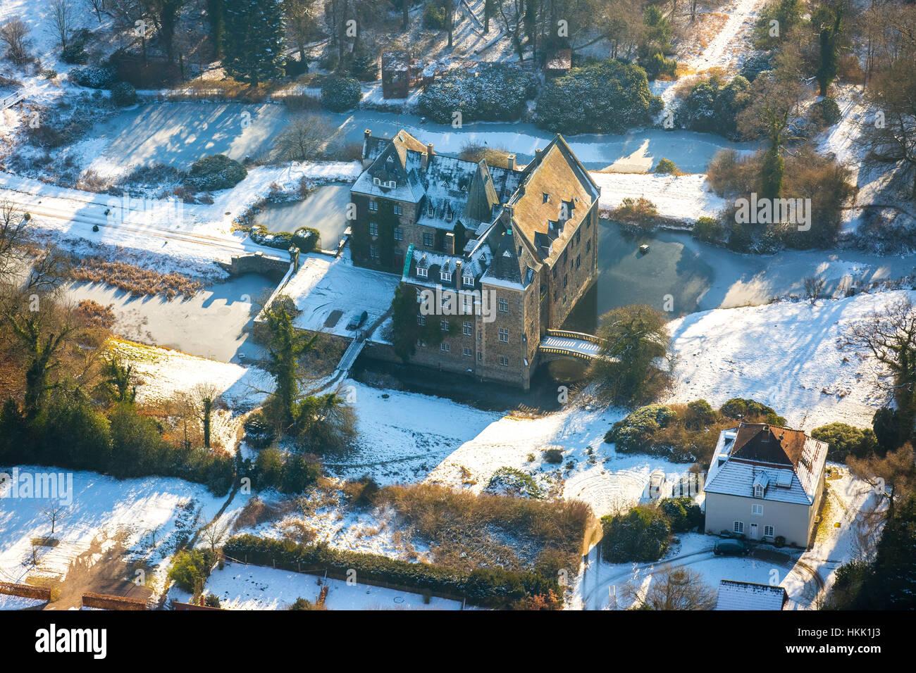 Castle Schloss Höllinghofen in winter, ice, winter light, Arnsberg, Neheim-Hüsten, Sauerland, North Rhine-Westphalia, Stock Photo