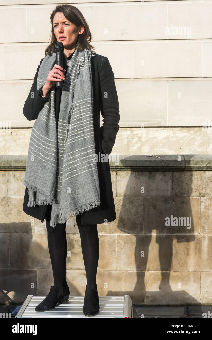 London, UK. 28th January, 2017. Junior doctor Aislinn Macklin-Doherty  speaks at the rally at the Dept of Health, - Stock Image