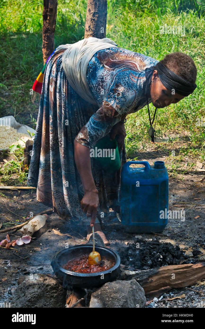 Woman cooking, Bahir Dar, Ethiopia - Stock Image