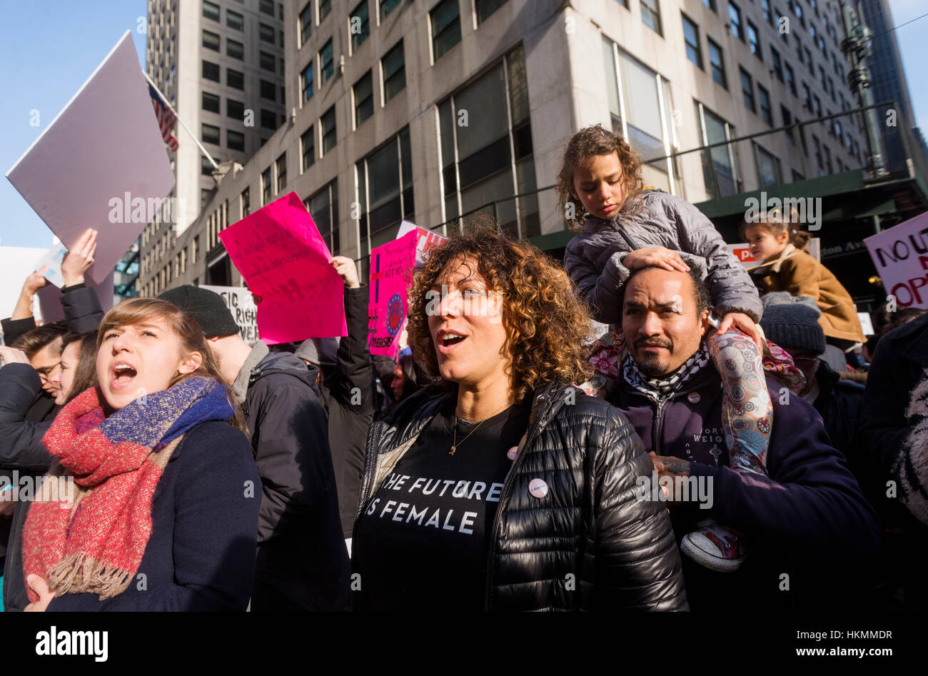 New York, USA 21 Jan 2017 - An estimated 400 to 500 protesters marched from Daj Hamerskold Plaza, at the UN, to - Stock Image