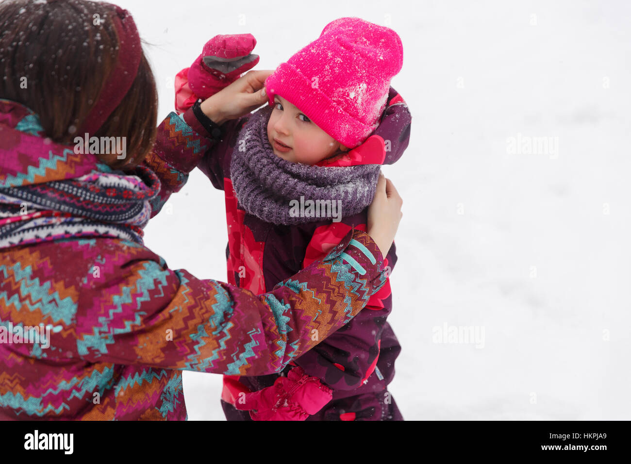 Mom with daughter in park - Stock Image