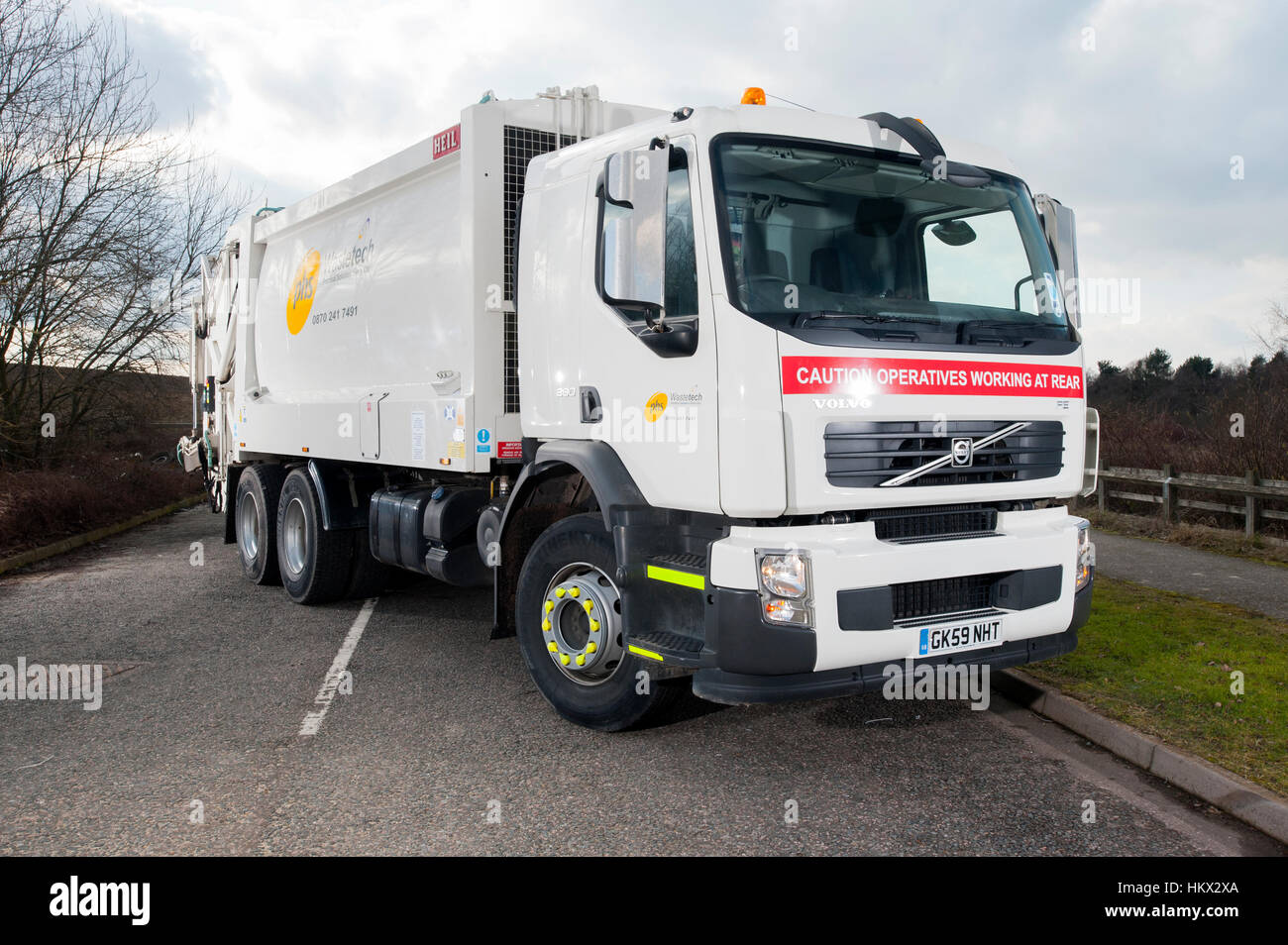 2009 Volvo FE dustcart refuse collection truck - Stock Image