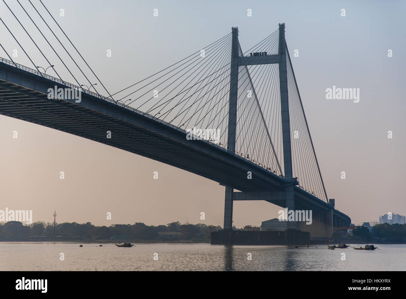 The Hooghly Bridge over the Hooghly River in Kolkata (Calcutta), West Bengal, India. - Stock Image