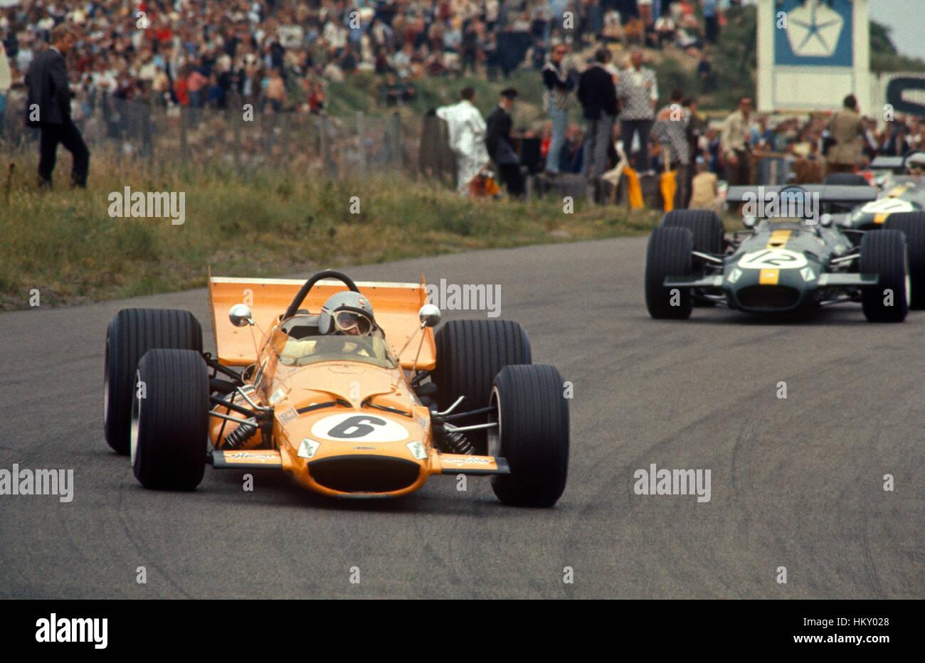 bruce mclaren motor racing stock photos & bruce mclaren motor racing