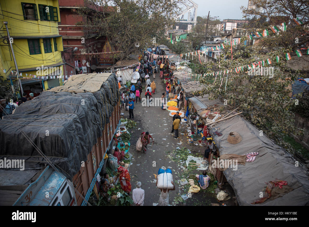 Mallick Flower Market in Kolkata (Calcutta), West Bengal, India. - Stock Image