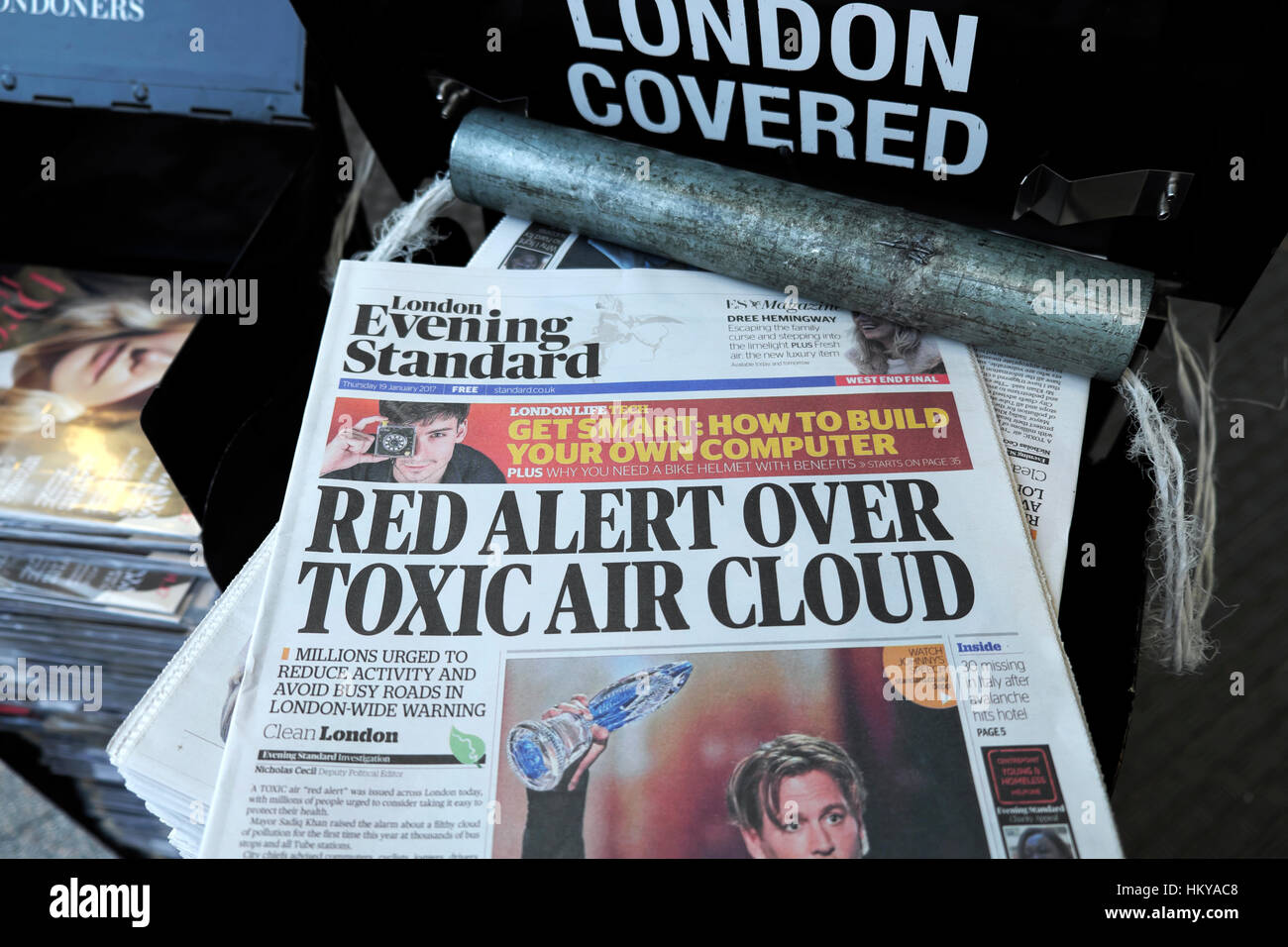 """Evening Standard front page headline news January 2017 newspaper dangerous levels of air pollution warning  """"Red Stock Photo"""