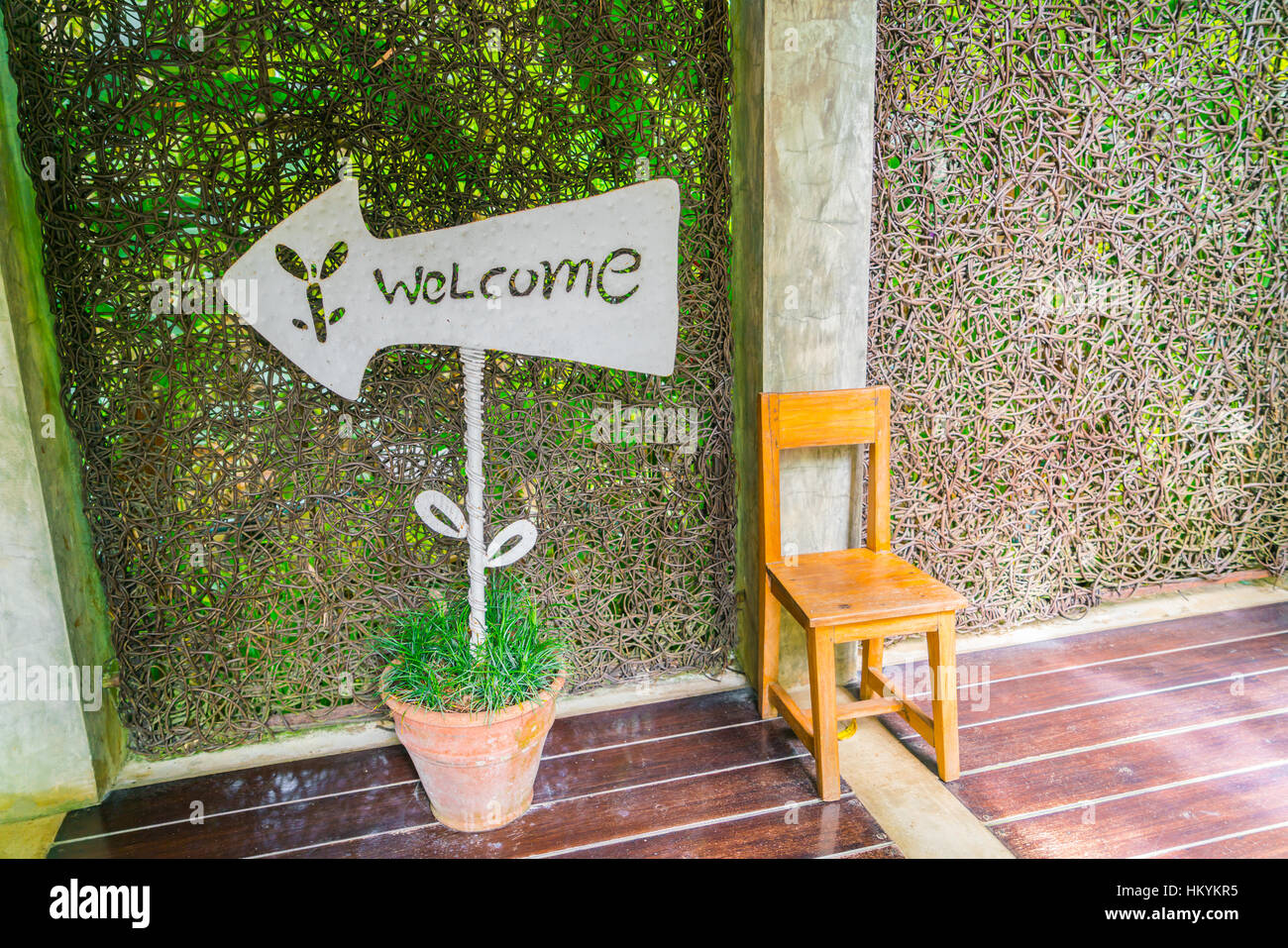welcome sign n front of hotel - Stock Image