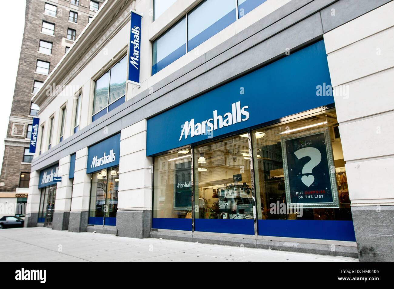It's awesome that there is a Marshalls in New York City but be prepared for crowds and disorganization. While I understand you are paying less for top brands, it's still annoying. Furthermore, because it's so popular I feel like it's alwAys in a state of being picked over. There are 3/5(80).