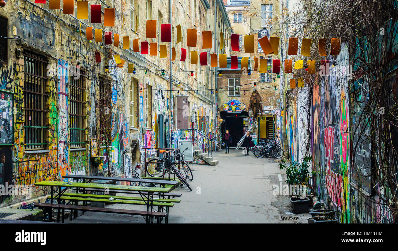 graffiti and street art in dead chicken alley berlin germany stock photo 132788928 alamy. Black Bedroom Furniture Sets. Home Design Ideas