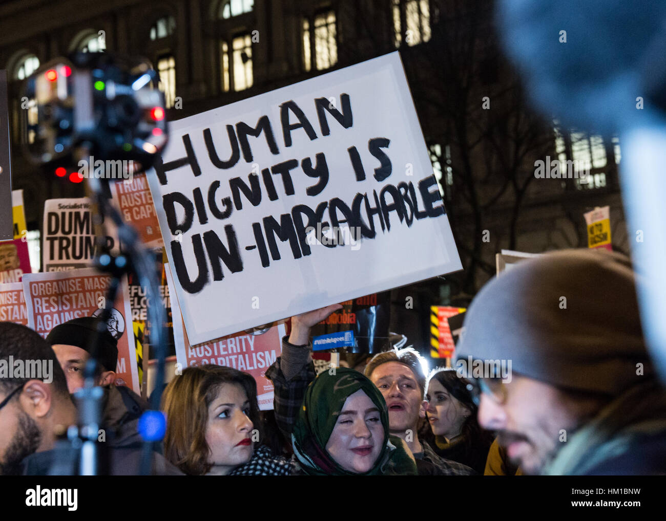 London, UK. 30th January, 2017. Thousands of people gather outside Downing Street to protest against the Muslim - Stock Image