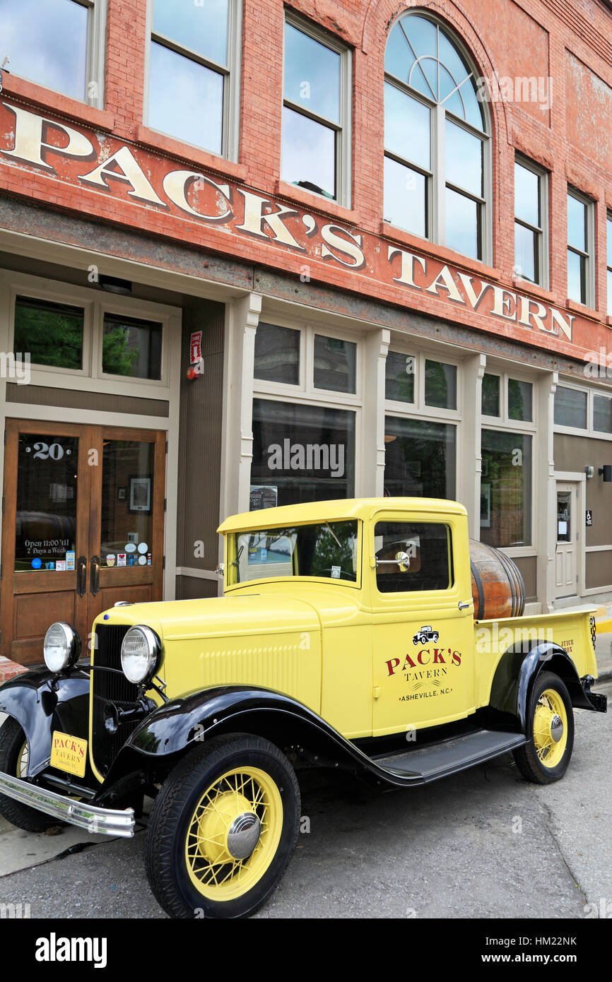 Pack's Tavern in Asheville, North Carolina. - Stock Image