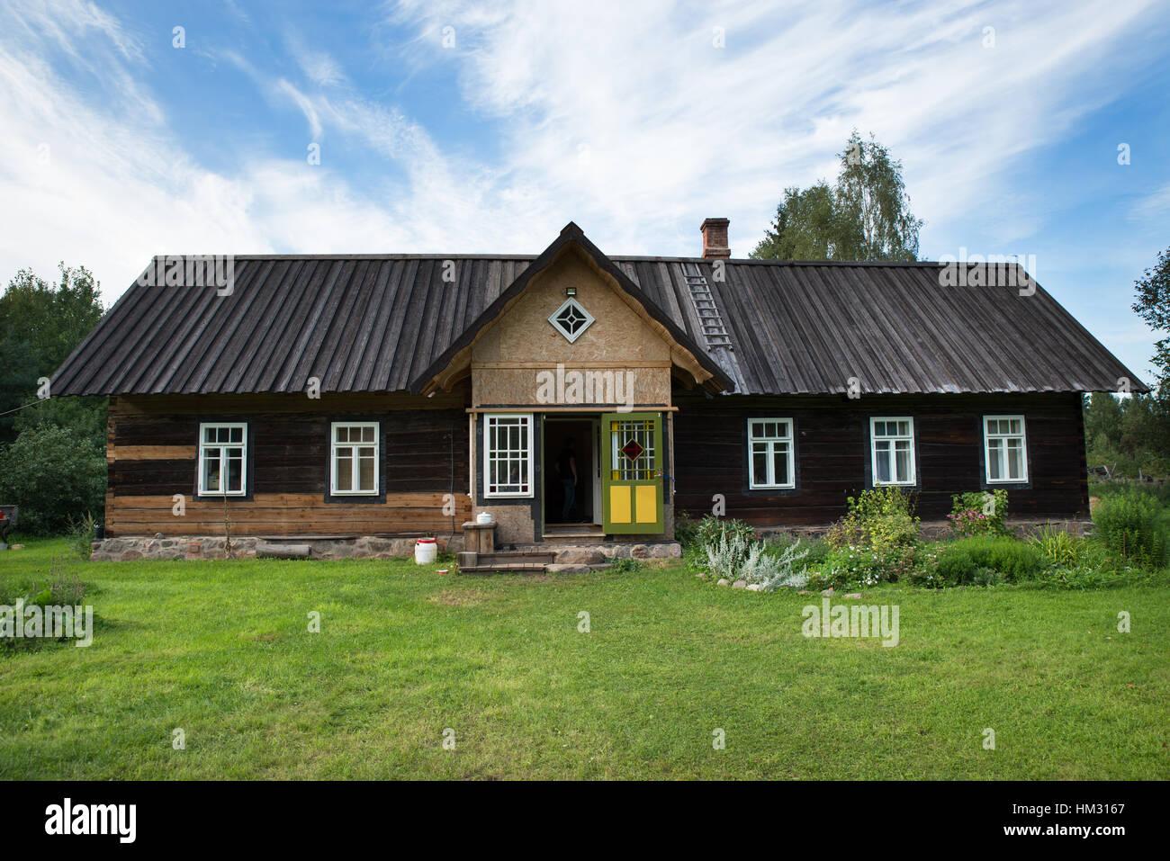 Traditional wooden house of Seto people, Obinitsa, Estonia - Stock Image
