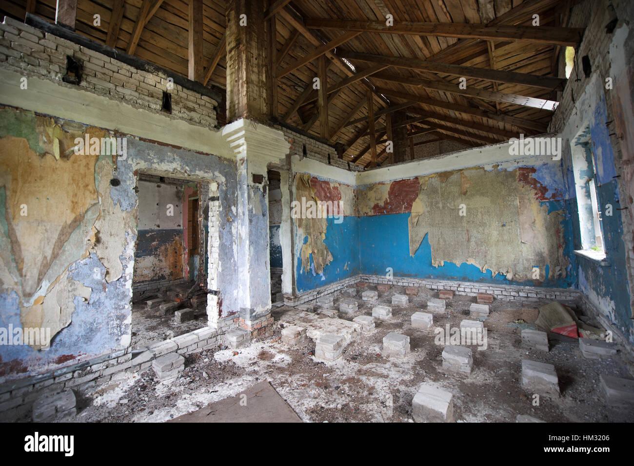 Abandoned building in the area of Paldiski former naval base, Pakri Peninsula, Harju County, Estonia - Stock Image