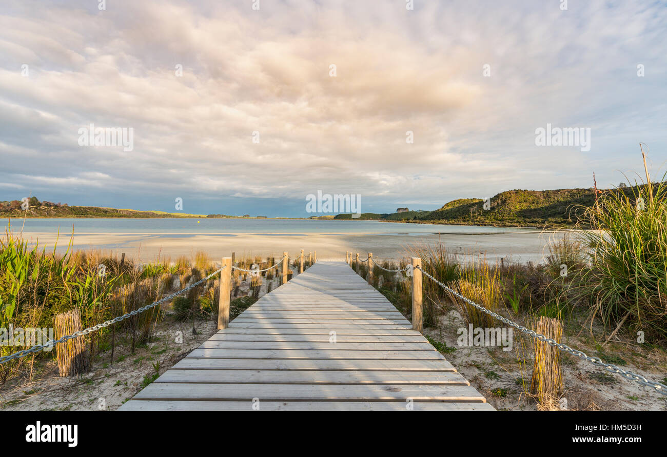Boardwalk to beach, Lake Taharoa, Northland, North Island, New Zealand Stock Photo