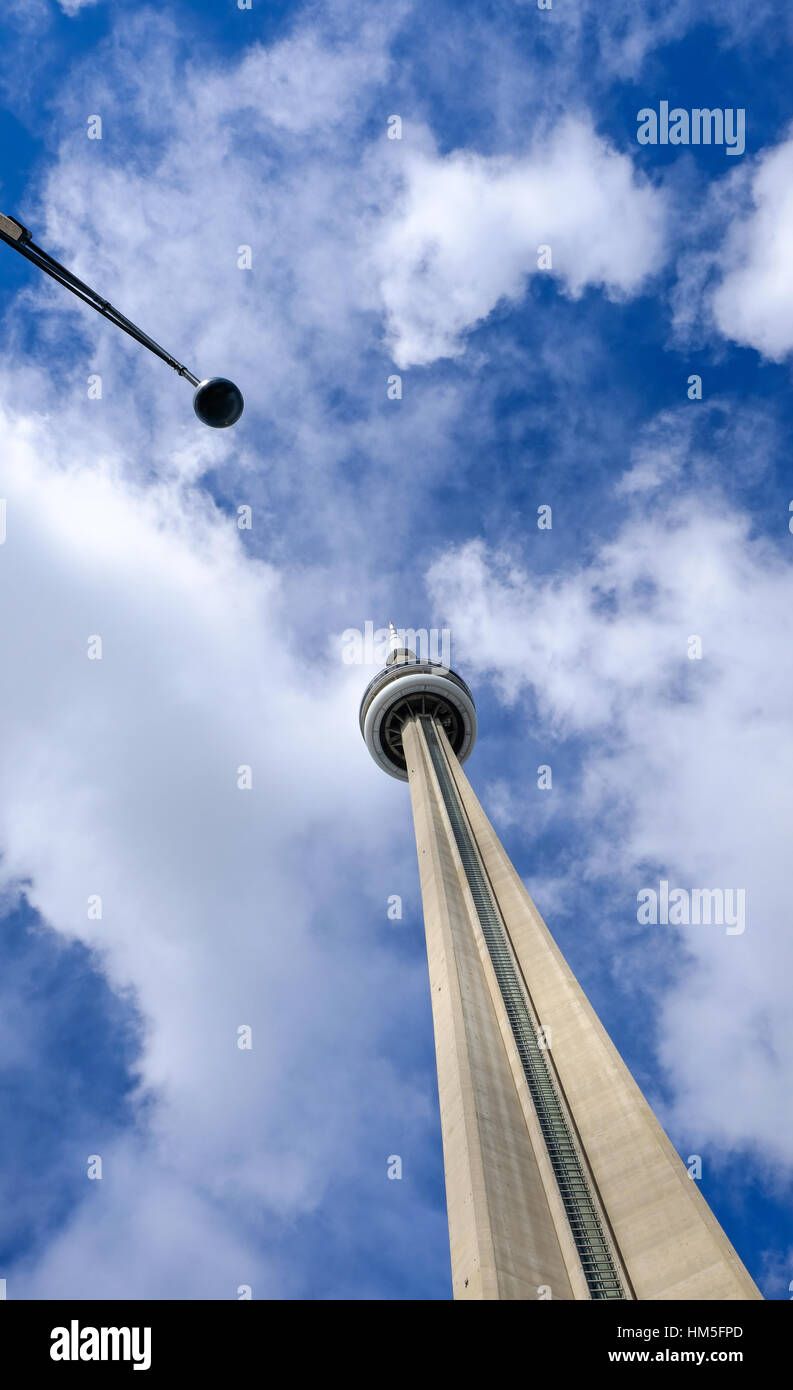 Height of cn tower