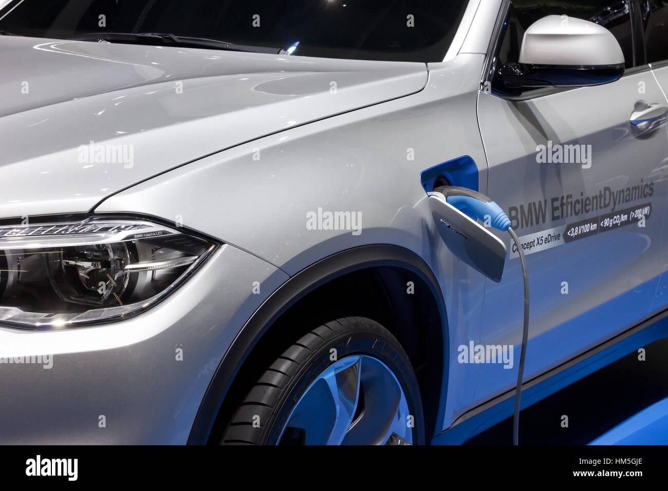 FRANKFURT, GERMANY - SEP 13: BMW X5 eDrive at the IAA motor show on Sep 13, 2013 in Frankfurt. More than 1.000 exhibitors - Stock Image